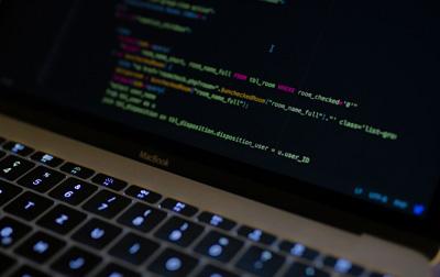 Data Warehousing on AWS